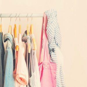 Like this photo to bookmark my closet! 🛍🤩